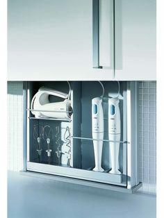 De nombreux espaces de rangement avec safelift d'Alno - Armoires et tiroirs - Livios