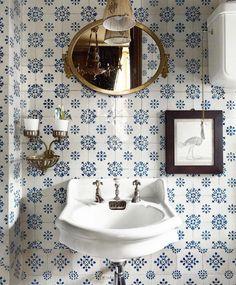 Parisien Bathroom - blue and white tiles, antique fixtures. Bad Inspiration, Bathroom Inspiration, Bathroom Ideas, Bathroom Designs, Home Design, Design Ideas, Design Trends, Design Styles, Design Projects