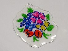 How to Make an Imitation Painted Glass Pendant from Food Packaging