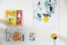 Children's room - Shelves and artwork - Hunajaista