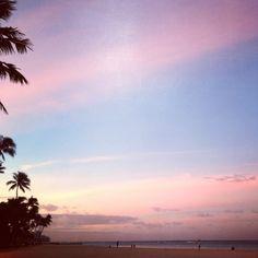 6am on Waikiki Beach. Pinky, bluey sky, Just gorgeous!