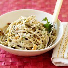 with Creamy Walnut Sauce Weight Watchers Creamy Walnut Sauce - 10 Points.but use smart one pasta, it has lower points.but use smart one pasta, it has lower points. Pasta With Walnut Sauce, Pasta With Walnuts, Healthy Pasta Recipes, Healthy Pastas, Veggie Recipes, Pasta Al Pesto, Creamy Spinach Sauce, Creamy Pasta, Weight Watchers Pasta