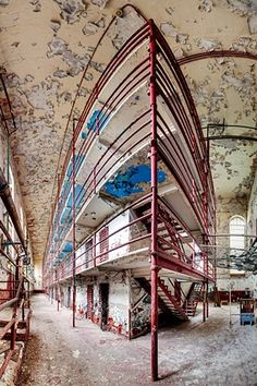 Tennessee State Prison. Opened 1898. Employed the Aubrey System: that solitary confinement, hard labour, and a diminished sense of self could inspire personal discipline and respect.   800 unheated, unventilated singly occupancy cells. Closed 1992