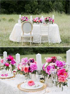 pink and fuchsia table details @weddingchicks