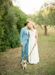 Destination obsession: http://www.stylemepretty.com/2015/05/05/elegant-countryside-wedding-in-tuscany/ | Photography: Lindsay Madden - http://lindsaymaddenphotography.com/