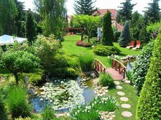 Tropical Landscaping, Front Yard Landscaping, Front Garden Landscape, Farm Layout, Landscape Design Plans, Backyard Garden Design, Garden Cottage, Backyard Makeover, Garden Planning