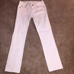 BRAND NEW,NEVER WORN JCrew White Denim J.Crew matchstick white denim jeans. I never wore these so they're in perfect condition. Perfectly pressed and ready to wear! J. Crew Pants