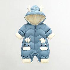 Baby Boy Jumpsuit, Baby Girl Romper, Kalter Winter, Baby Snowsuit, Cute Baby Boy, Baby Boys, Motifs Animal, Cartoon Outfits, Baby Warmer