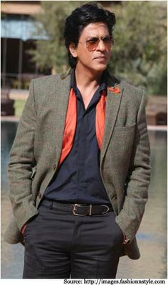 king khan #sharukkhan #bollywood #suit