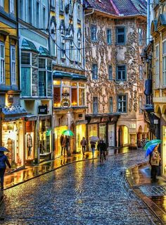 Top travel photos from around the world. Make your own memories by travelling. Help improve quality of life of the country you visit. Top travel booking sites recommended by experts Insbruck Austria, Visit Austria, Austria Travel, Innsbruck, Salzburg, Norman Vincent Peale, Places To Travel, Travel Destinations, Places To Visit