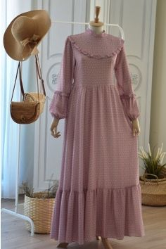 Dubai Fashion, Abaya Fashion, Fashion Dresses, Long Midi Dress, The Dress, Islamic Fashion, Muslim Fashion, Dress Muslim Modern, Modele Hijab
