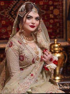 Pakistani Bridal Makeup, Pakistani Fashion Party Wear, Pakistani Dresses Casual, Pakistani Bridal Dresses, Asian Bridal Dresses, Wedding Dresses For Girls, Girls Dresses, Nikkah Dress, Shadi Dresses
