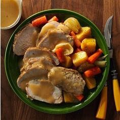 30 Slow-Cooked Sunday Dinners                     -                                                   Gather the family around the Sunday dinner table for a home-style meal made in the slow cooker. Try comforting favorites like chicken and vegetables, pot roast, mac & cheese, beef stew and more slow-cooked recipes.