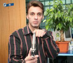 Mircea Badea ii raspunde amenintator lui Oreste!