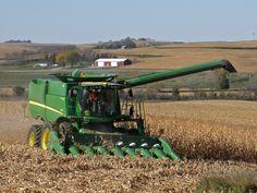 John Deere Equipment, Heavy Equipment, John Deere Combine, Jd Tractors, Combine Harvester, Engin, Logs, Crane, Cars And Motorcycles