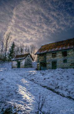 Stone cabin, Alpago, Dolomiti, Italia