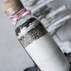 Smooth and cooking : JEDLÉ DÁRKY: SEMÍNKOVÝ ŽITNÝ CHLÉB Voss Bottle, Water Bottle, Water Bottles