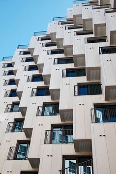 Julien de Smedt Belgian architect studio has just finished the construction of this surprising housing block in Gangnam. With its facade featuring hundred cubes Minimalist Architecture, Facade Architecture, Building Facade, Building Design, Facade Design, Exterior Design, Cubes, Condo, Unique Buildings