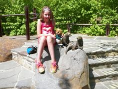 Ollie loved his trip to the National Zoo - Jocelyn introduced him to some otters!