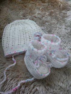 Baby Garnitur gehaeckelt, meine Arbeit und Foto, Anleitung aus Net
