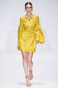 Gucci Spring 2013 Ready-to-Wear Runway - Gucci Ready-to-Wear Collection - ELLE Gucci Fashion, Couture Fashion, Runway Fashion, Fashion Models, Spring Fashion, High Fashion, Fashion Show, Womens Fashion, Fashion Trends