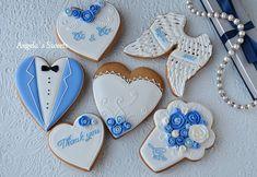 #пряникиручнойработы #пряникиукраина #свадебныекомплименты #свадебныепряники #gingerbread #royalicingcookies #artcookies #angelassweets Blue Wedding Flower Arrangements, Blue Wedding Flowers, Cookie Decorating, Decorating Tips, Wedding Cookies, Decorated Cookies, Holiday Treats, Sugar Cookies, Sweets