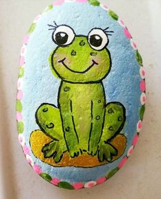 Looking for some easy painted rock ideas to get inspired by? See more ideas about Rock crafts, Painted rocks and Stone crafts. Painted Rock Animals, Painted Rocks Craft, Hand Painted Rocks, Turtle Painted Rocks, Rock Painting Patterns, Rock Painting Ideas Easy, Rock Painting Designs, Pebble Painting, Pebble Art