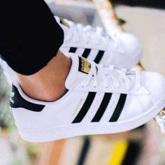 Adidas Women Shoes - Adidas Shoes - Adidas Superstar Sneakers - We reveal the news in sneakers for spring summer 2017 Adidas Shoes Women, Adidas Sneakers, Shoes Addidas, Black Sneakers, Trainers Adidas, Summer Sneakers, Yeezy Shoes, Jeans With Sneakers, White Shoes Outfit Sneakers