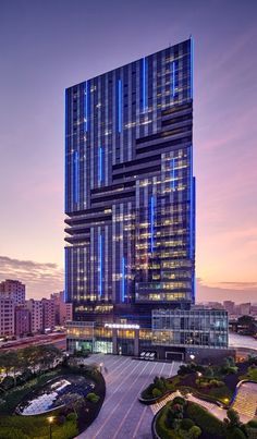 modern buildings night Great Buildings And Structures – Jilli Cz Hawley Futuristic Architecture, Facade Architecture, Amazing Architecture, Hotel Design Architecture, Residential Architecture, Landscape Architecture, Great Buildings And Structures, Modern Buildings, Beautiful Buildings