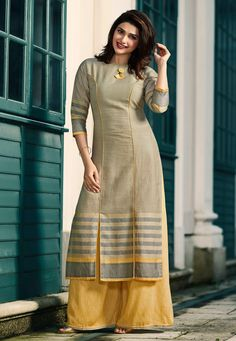 Add grace and charm towards the look in this grey rayon party wear kurti. The wonderful print work in the course of the attire is awe inspiring. Dress Neck Designs, Designs For Dresses, Blouse Designs, Neck Designs For Suits, Kurti Sleeves Design, Kurta Neck Design, Churidar Designs, Kurta Designs Women, Salwar Neck Designs