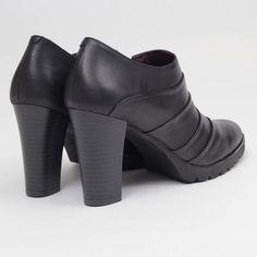 Zapato abotinado IRENE negro
