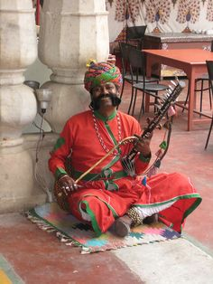 Folk Musician at one of the many tourist spots in Rajasthan India Asia, North India, India And Pakistan, Rajasthan India, We Are The World, People Around The World, Wonders Of The World, Nova Deli, Nepal