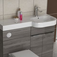 - Bathroom Design Small, Simple Bathroom, Bathroom Layout, Fitted Bathroom Furniture, Bathroom Interior, Big Bathrooms, Bathroom Photos, Bathroom Tub Shower, Compact Bathroom