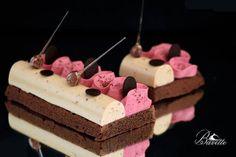 Receta de Sable Bretón de chocolate, con frambuesa y turrón. Descubre sus ingredientes y elaboración en Recetags.com