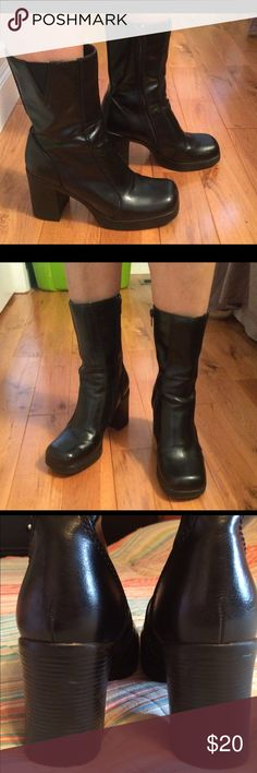 4b8b8451bf71 Beautiful black mid-calf chunky heeled boots Beautiful black mid-calf chunky  heeled boots