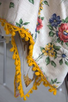 Today as promised the edging of the lappity lap blanket.   I have given it the name bubbly edging.   It`s from aJapanesecraft book;  L...