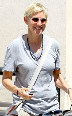 Ellen Degeneres was all smiles (as always!) as she shopped around Beverly Hills flaunting fabulous aviator sunnies!