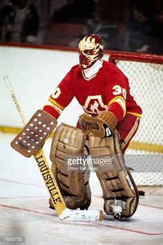 s-dan-bouchard-of-the-atlanta-flames-plays-against-the-boston-bruins-picture-id78932782 (408×612)