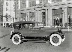 1923 Cadillac Model V-63 Phaeton at Don Lee's agency