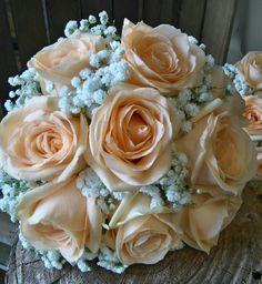 peach roses and gypsophila bridal bouquet