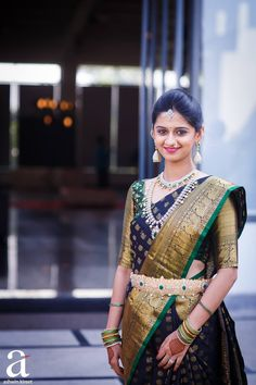 55 Of Our Favourite Exquisite Silk Sarees Worn By Real Brides in 2016 Is Here! Indian Bridal Sarees, Indian Bridal Fashion, Indian Beauty Saree, Wedding Sarees, Tamil Wedding, Silk Saree Blouse Designs, Bridal Blouse Designs, Silk Sarees, Dhoti Saree