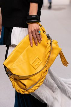Givenchy Spring 2020 Fashion Show Details. All the fashion runway close-up details, shoes, and handbags from the Givenchy Spring 2020 Fashion Show Details. Spring Handbags, Spring Bags, Purses And Handbags, Fashion Handbags, Fashion Bags, Fashion Show, Best Designer Bags, Designer Handbags, My Bags