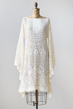 vintage 1970s lace bell sleeve bohemian dress