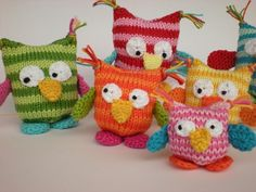 Knit and crochet owls // Crochet amigurumi Knitting and crochet pattern for colorful owls Always aspired to learn how to knit, nonetheless not certain where do you. Knitted Owl, Crochet Owls, Crochet Elephant, Crochet Amigurumi, Elephant Pattern, Knit Crochet, Owl Patterns, Knitting Patterns, Sewing Patterns