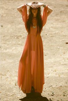 If you think that burnt orange is hard to pull off, then you are not right. This color looks bold and bright, that's why many people think it's hard to wear it Early 2000s Fashion, 70s Fashion, Chic Bridesmaid Dresses, Rocker Chic Style, Burnt Orange Dress, Bridesmaid Inspiration, Hippie Dresses, Hipster Fashion, Beautiful Dresses