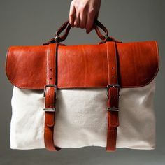 Handbags & Wallets - Handbags & Wallets - leather and canvas - How should we combine handbags and wallets? - How should we combine handbags and wallets? My Bags, Purses And Bags, Leather Wallet, Leather Bags, Leather Messenger Bags, Red Leather, Best Bags, Fabric Bags, Leather Accessories