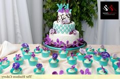 simpke tourquoise and gold weddong cakes | turquoise wedding shoes with