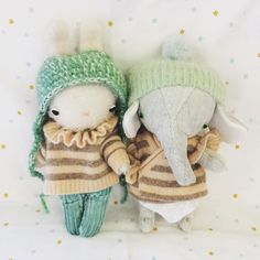 matching sweaters day Fabric Dolls, Paper Dolls, Childrens Dolls, Handmade Soft Toys, Matching Sweaters, Super Cute Animals, Little Elephant, Clay Dolls, Soft Sculpture