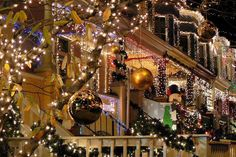 """Baltimore's """"Miracle on 34th"""" Annual Christmas Displays"""