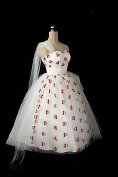 Vintage '50s dress with cherry print. I think I need to have this...